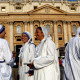 Nuns, belonging to the global Missionaries of Charity, arrive to attend a mass celebrated by Pope Francis for the canonisation of Mother Teresa of Calcutta in Saint Peter's Square at the Vatican September 4, 2016. REUTERS/Stefano Rellandini - RTX2O1AR