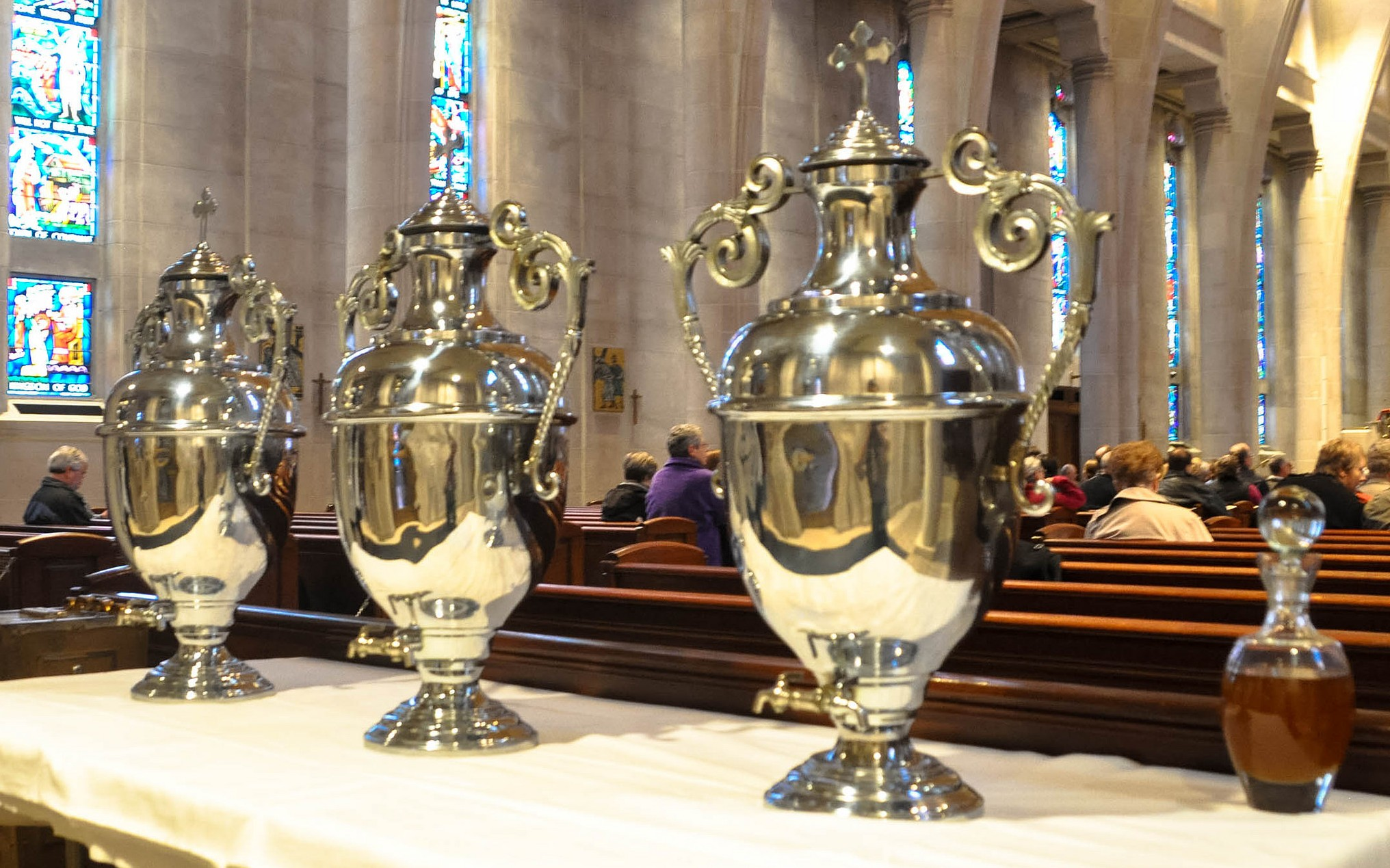 Bishop Callahan celebrates Chrism Mass to bless the holy