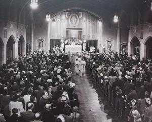 SH May Crowning procession 1948